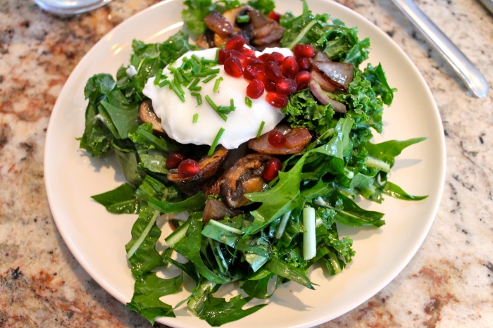 breakfast salad w/ poached egg