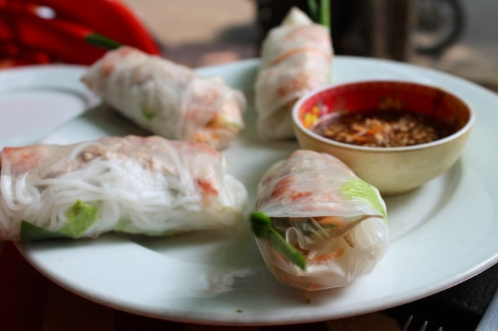 the art of the vietnamese spring roll // kitschandcamera.com