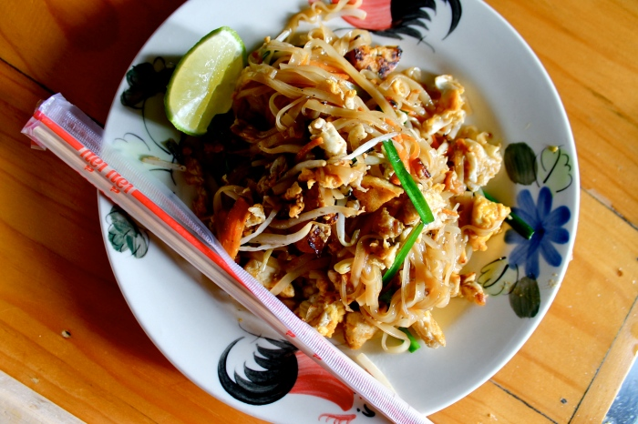authentic pad thai // kitschandcamera.com