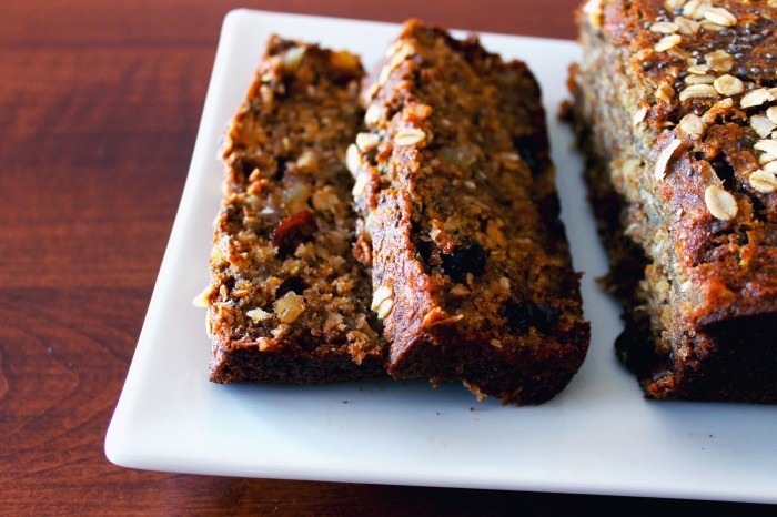 tropical chia seed banana bread // kitschandcamera.com